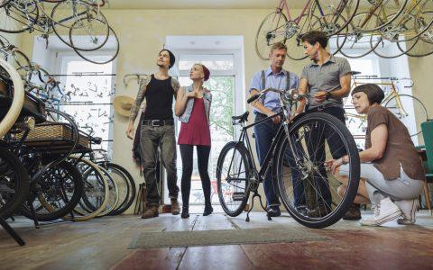La bicicletta fa bene al mercato e muove l'economia